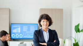 https://sbusinesslondon.ac.uk/uploads/images/image_sm/successful-leadership-school-of-business-london.jpg